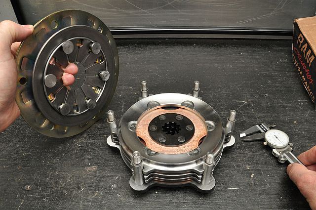 Tips on inspecting the multi-disc oval track racing clutch