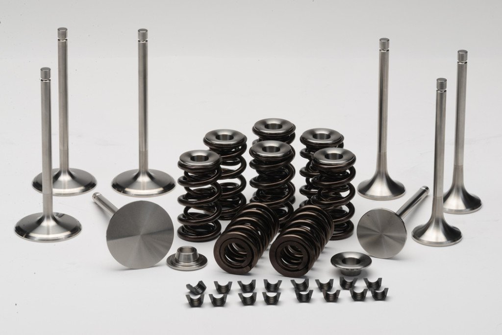 For this test, both intake and exhaust valves as well as spring retainers were produced from titanium. The valve springs employed were supplied by renowned spring maker PSI.